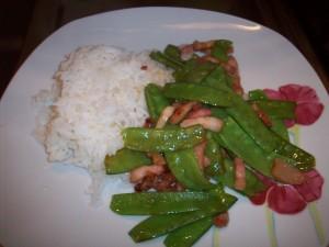 Sauté cambodgien aux lardons et aux haricots plats