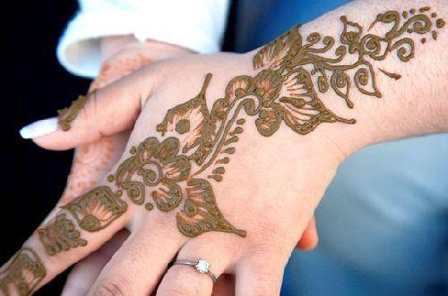 Le henn pour se tatouer jolie id e - Dessin henne main facile ...
