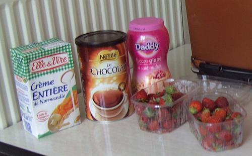 Crème fraiche sucre et fraises