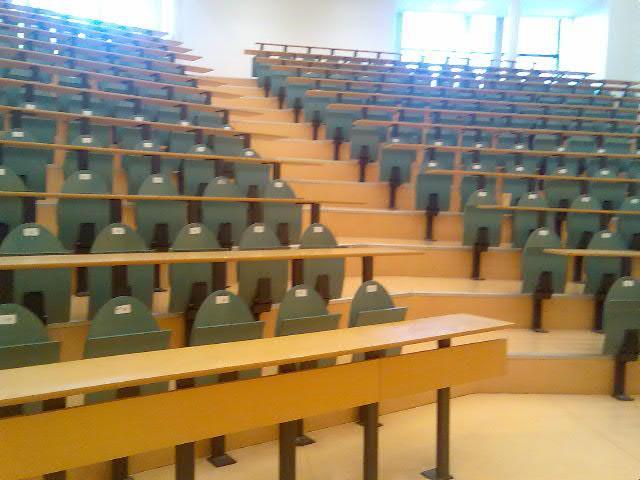 Amphi de la faculté des sciences juridiques, économiques et politiques de Lille 2 !
