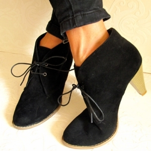 boots-lacees-a-talons