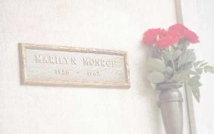 Plaque en hommage à Marilyn Monroe après sa mort