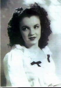 Photo de Marilyn Monroe adolescente