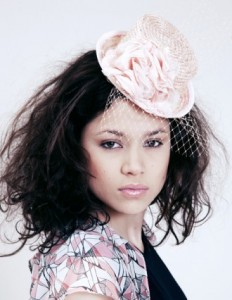 mini-chapeau-rose-clair