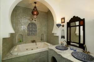Quelques pistes pour une d coration orientale for Salle de bain marocaine design