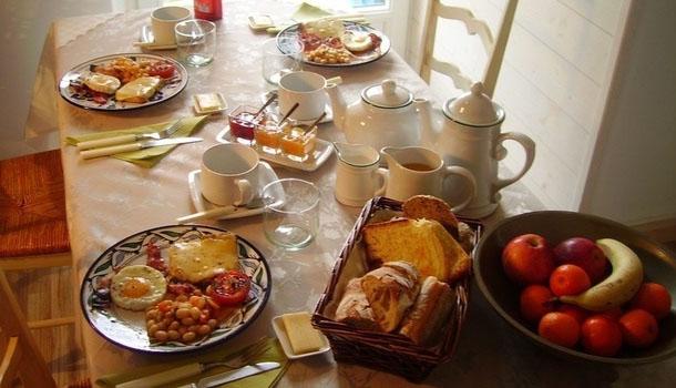 petit-dejeuner-fille