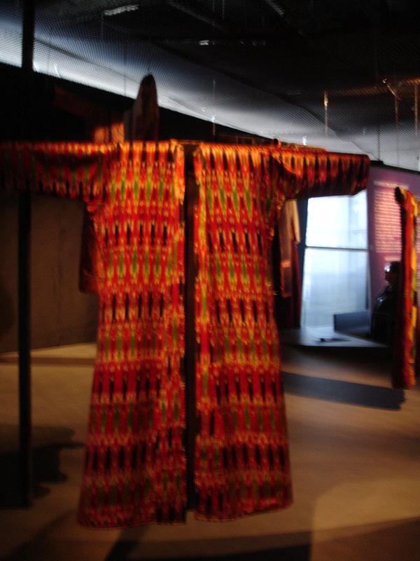 robe-teinture-femmes-orient-musée-branly